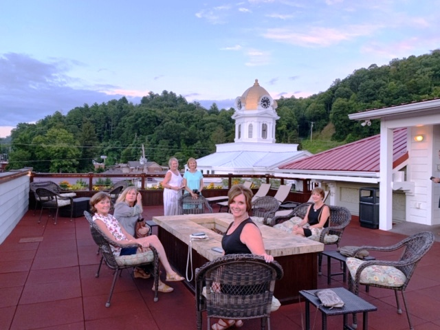 Everett Hotel guests can enjoy a rooftop lounge for beautiful sunsets